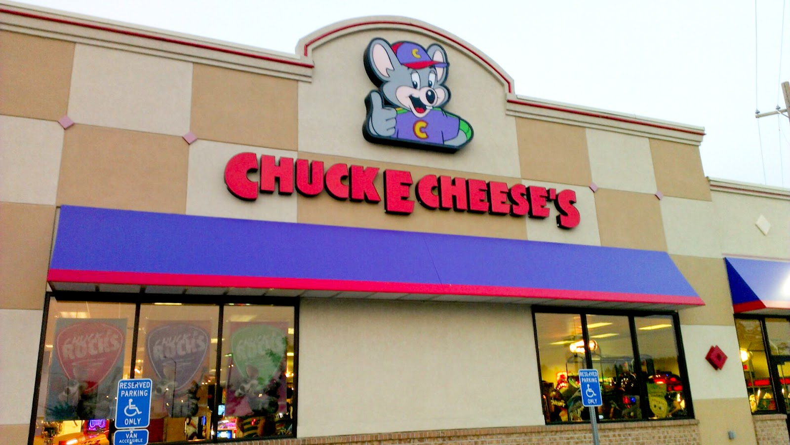 Chuck-E.-Cheese-Sells-Out